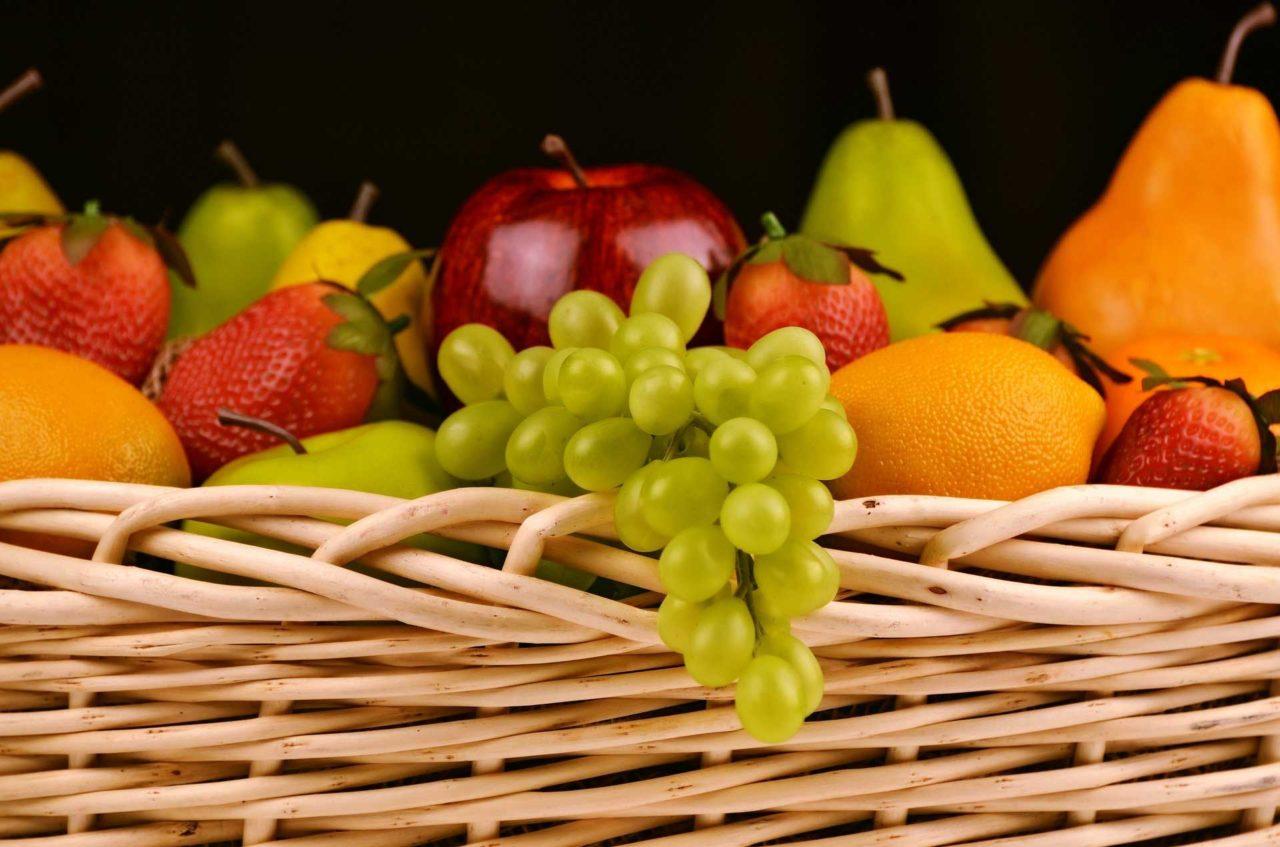 Frutta-lontano-dal-pasto-Quale-la-verità2